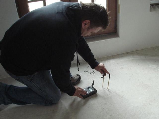 meranie vlhkosti, rovinnosti a celistvosti podkladu